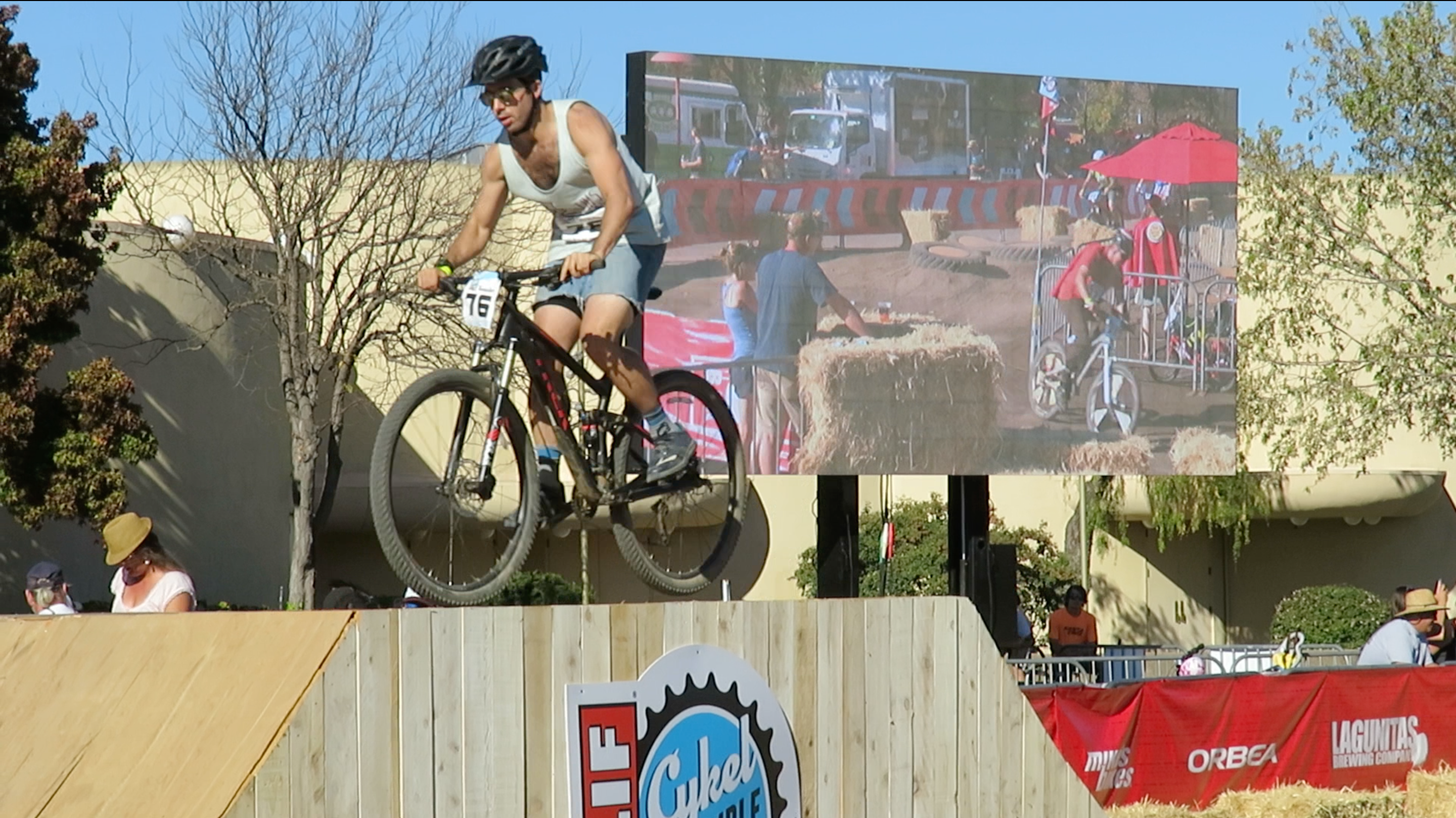 Jumbovision mobile LED screen at Cykel Scramble cycling event